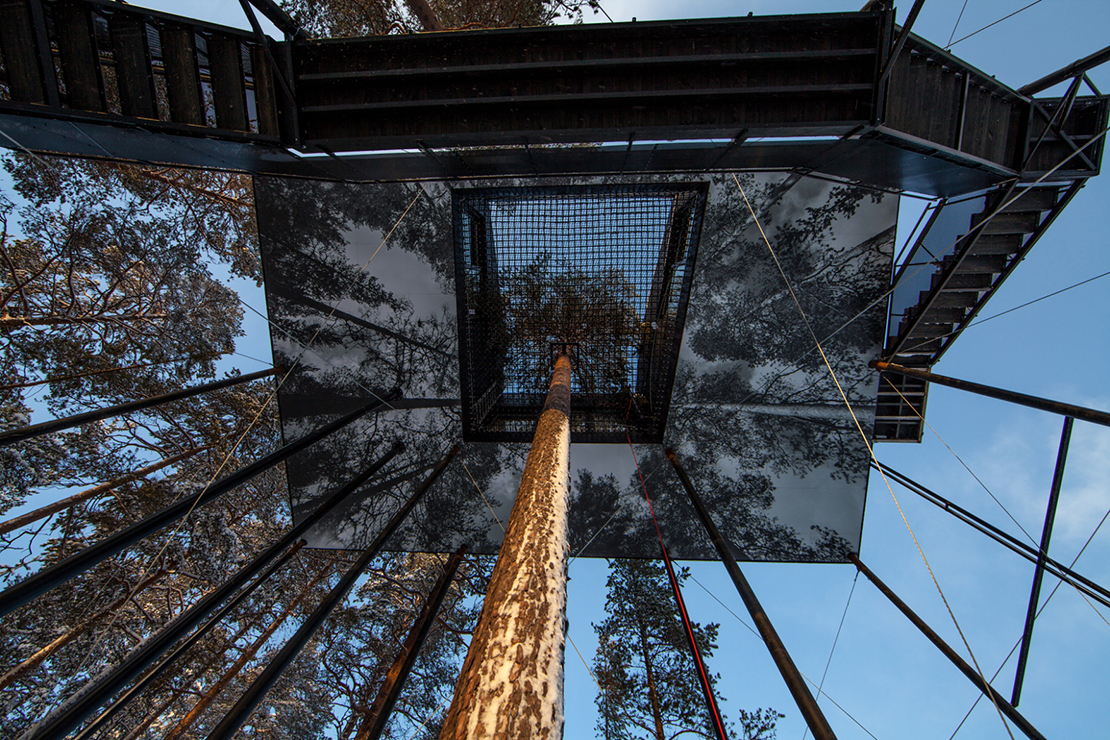7th-room-treehouse-cabin-snohetta-treehotel-sweden-4