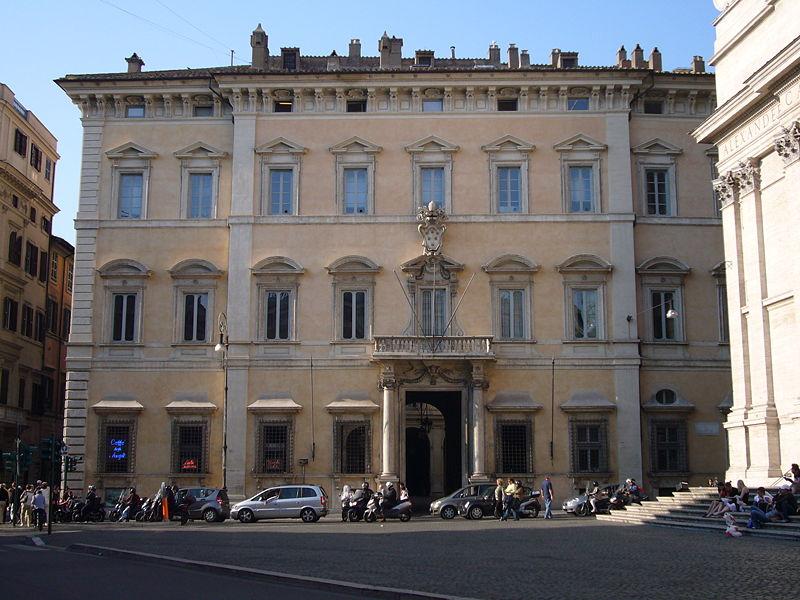 800px-Pigna_-_Palazzo_Altieri_1020544