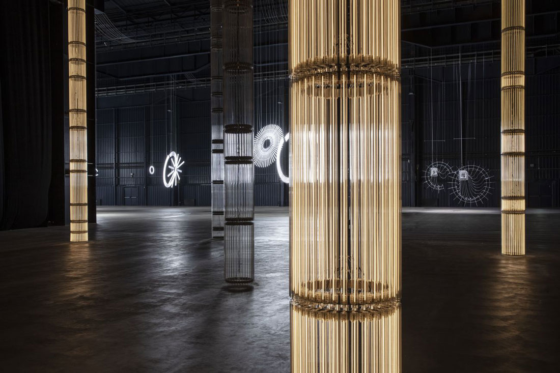 Cerith-Wyn-Evans.-...the-Illuminating-Gas.-Exhibition-view-at-HangarBicocca-Milano-2019.-Courtesy-of-the-artist-Pirelli-HangarBicocca.-Photo-Agostino-Osio-1-1