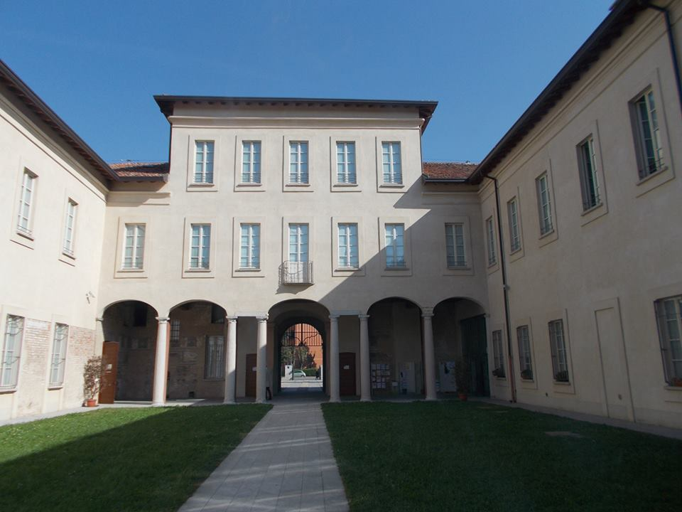 La sede di Milano Abitare si trova all'interno di Villa Scheibler, situata nel Parco Lessona (Quarto Oggiaro), in via Felice Orsini, 21.