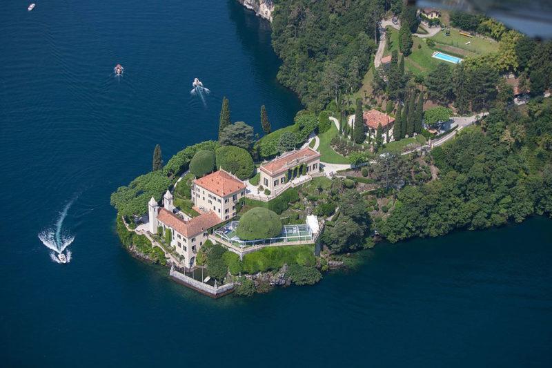 Villa_del_Balbianello_Lago_di_Como_featured_in_Casino_Royale_and_in_Star_Wars_(20063743160)