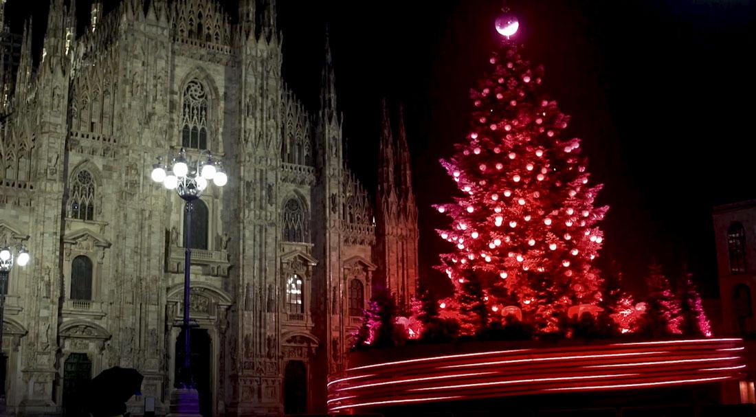 L'Albero del Dono in Piazza Duomo. Foto courtesy Coca-Cola
