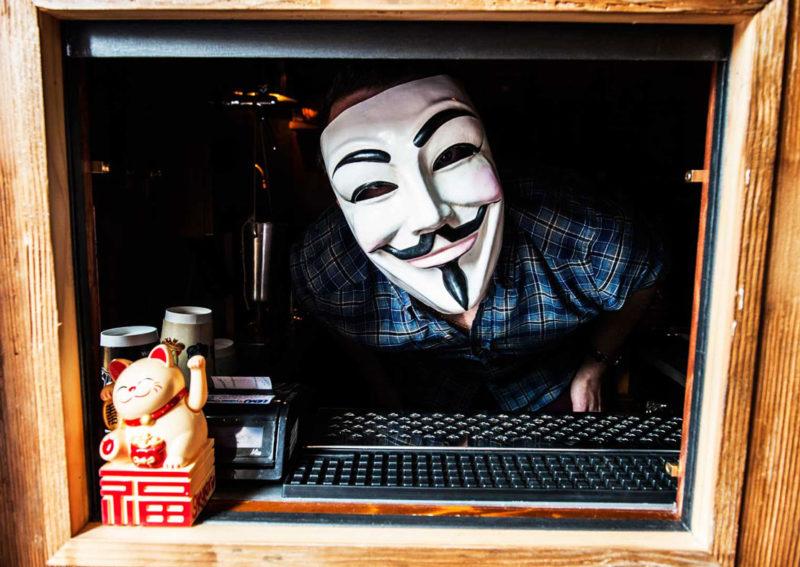 backdoor43-barman