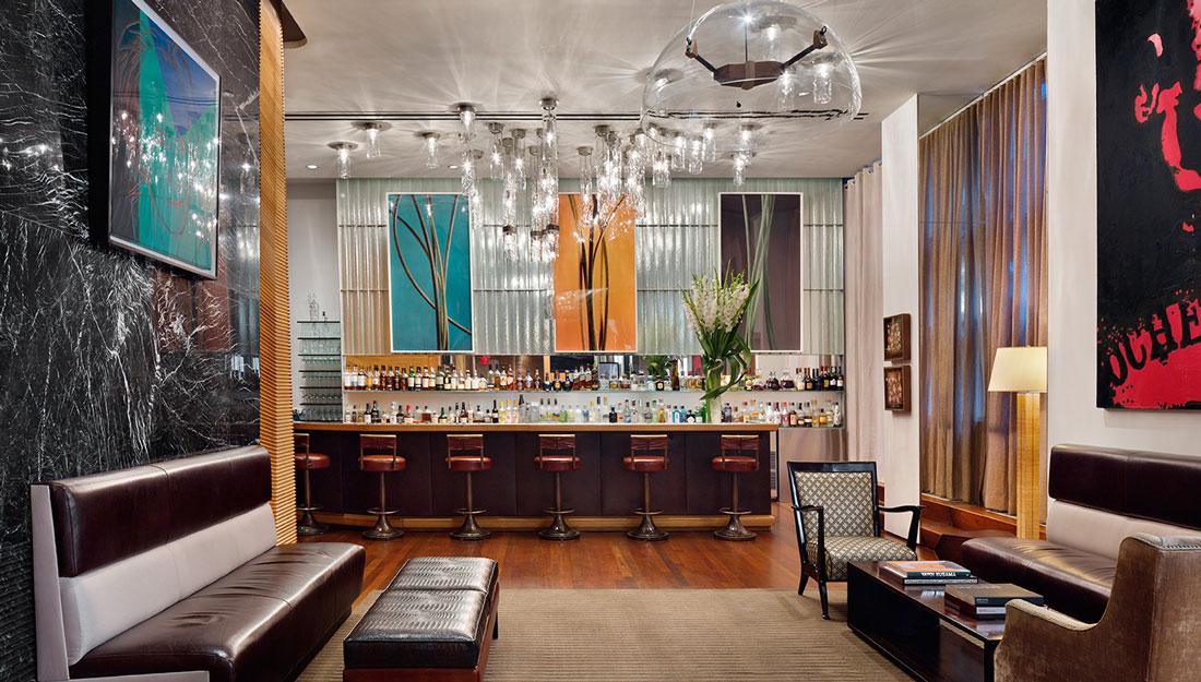 In fotografia uno dei locali del Club New Yorkese.