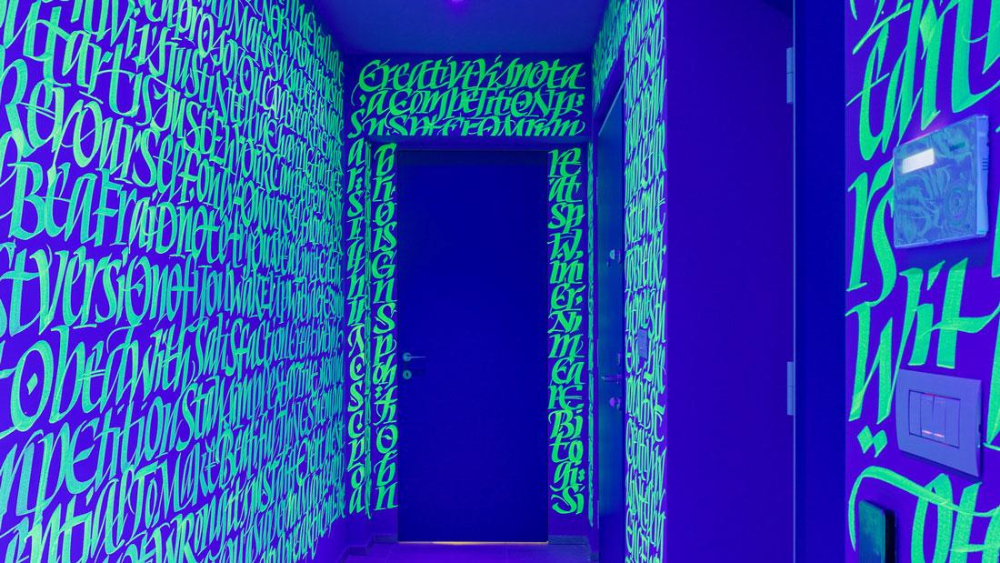 defhouse-milan-influencer-house-interiors-italy-john-pentassuglia_dezeen_hero-1