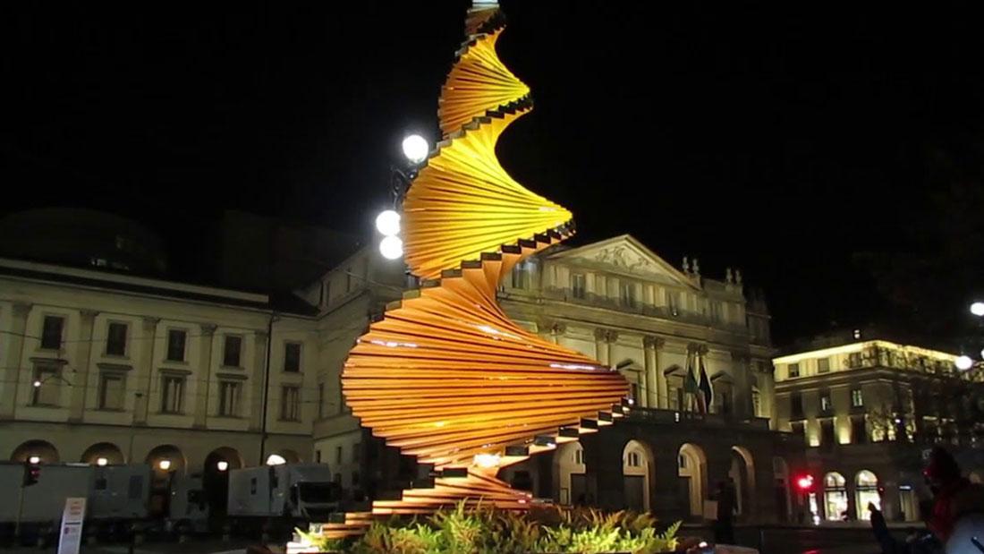 L'Albero del Vento in Piazza della Scala. Foto courtesy Engie