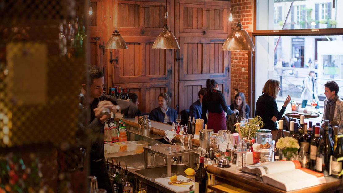 Il cocktail bar Rebelot in zona Navigli